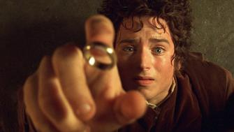 """ATTENTION: THIS PICTURE HAS BEEN BINNED, DO NOT USE. -UNDATED PUBLICITY PHOTO- Actor Elijah Wood portrays Hobbit Frodo in a scene from the film """"The Lord of The Rings The Fellowship of The Ring"""" in this undated publicity photograph. [The film received four Golden Globe nominations, including Best Drama Motion Picture, in Beverly Hills, California December 20, 2001. The Golden Globe Awards will be presented in Beverly Hills January 20, 2002.]  REUTERS/Handout"""