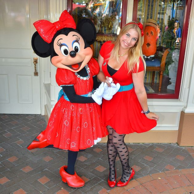Sara Katz-Scher Disneybounding as Minnie