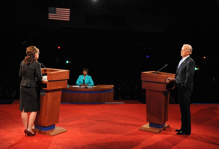Gwen Ifill moderating the 2008 vice presidential debate with Republican candidate Sarah Palin and Democratic candidate Joe Bi
