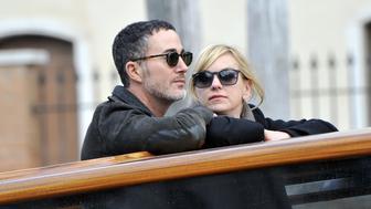 Anna Faris and new boyfriend Michael Barrett are seen during a romantic taxi boat ride in Venice, Italy. <P>Pictured: Anna Faris, Michael Barrett<B>Ref: SPL1623573  151117  </B><BR/>Picture by: Splash News<BR/></P><P><B>Splash News and Pictures</B><BR/>Los Angeles:310-821-2666<BR/>New York:212-619-2666<BR/>London:870-934-2666<BR/>photodesk@splashnews.com<BR/></P>
