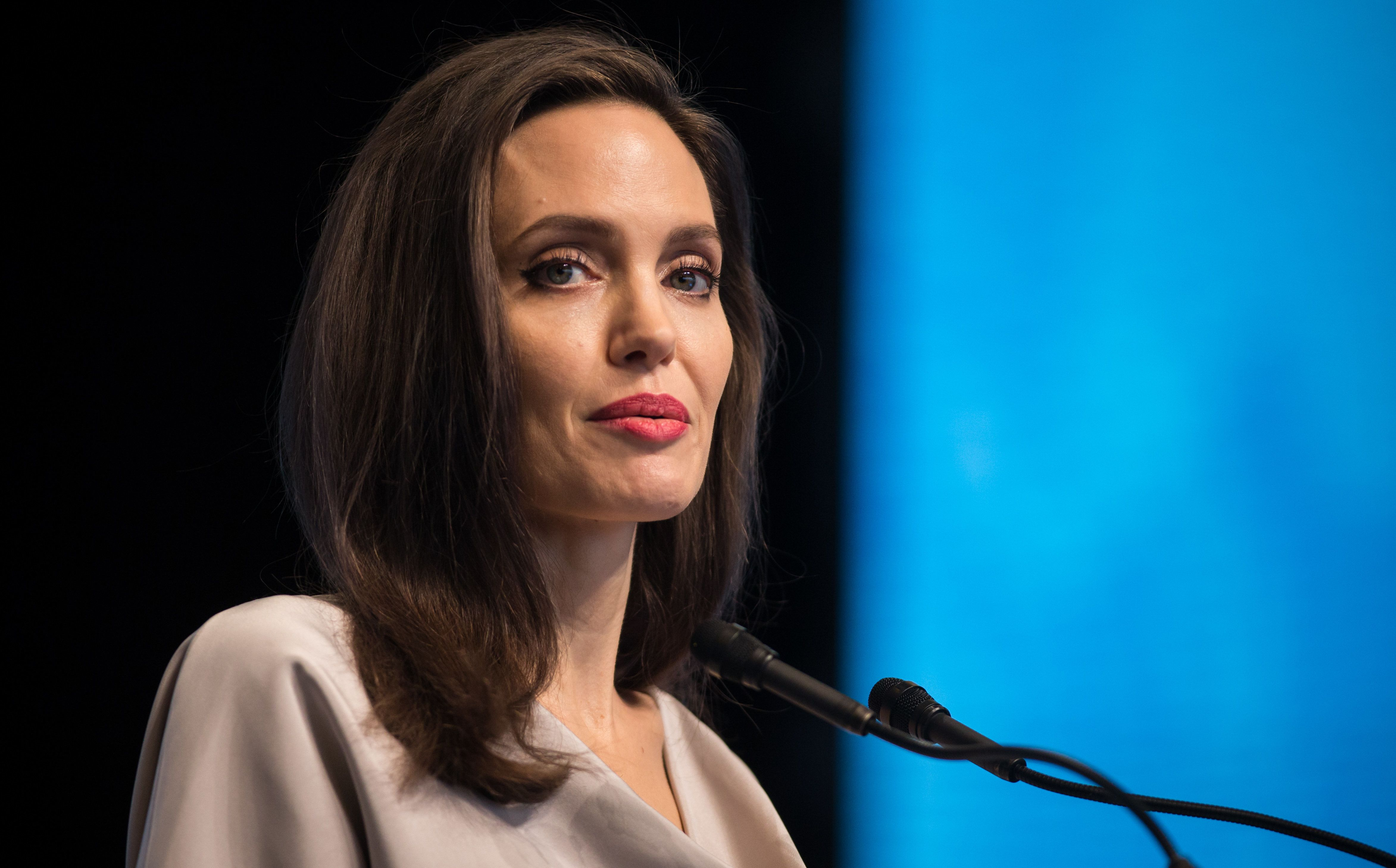 Angelina Jolie Gives The Keynote Speech During The  Un Peacekeeping Defense Ministerial Conference In Vancouver