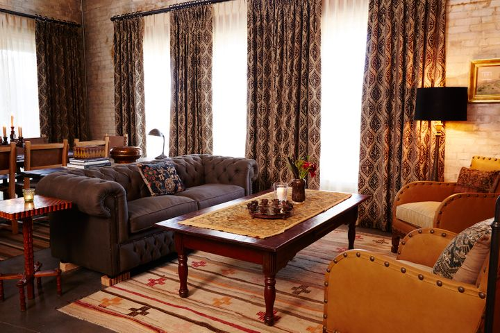 <p>Living room of the Emma Suite.</p>