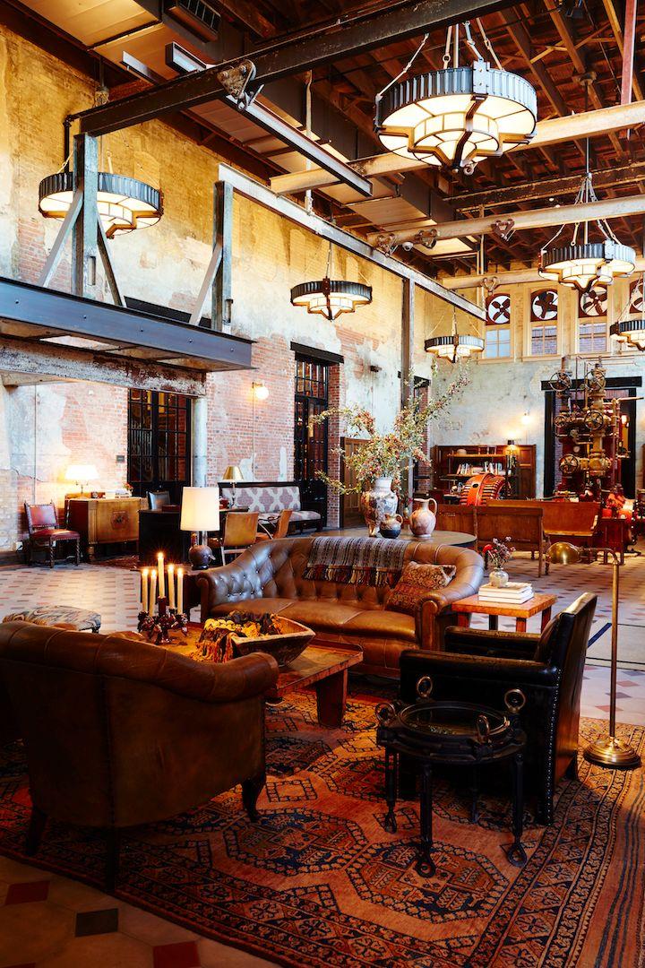 <p>Hotel Emma lobby</p>