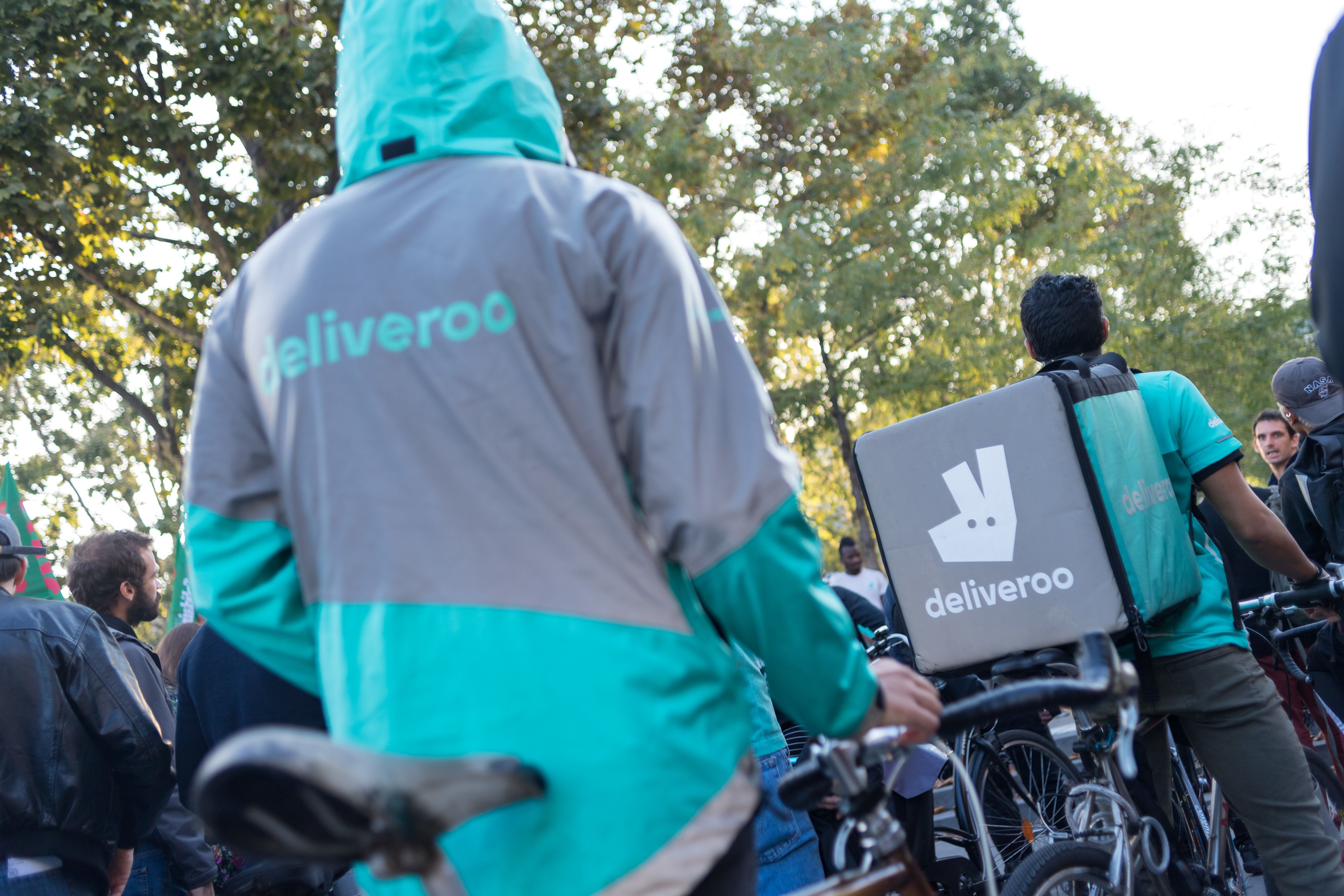 Deliveroo says it wants to offer riders better benefits.