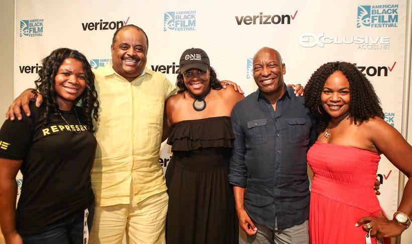 Alonda Thomas with (l-r) Roland Martin, D'Angela Proctor, John Singleton, and Tosha Whitten-Griggs at the American Black Film