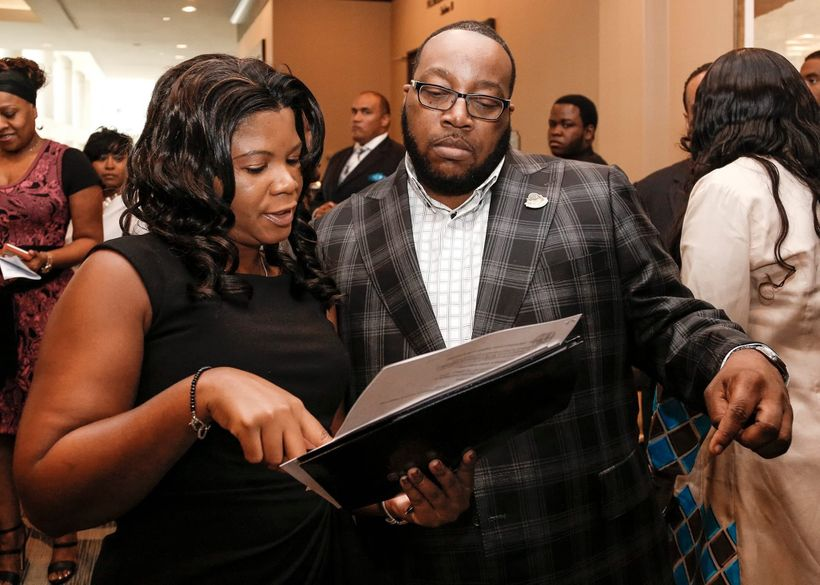 """Alonda Thomas talks with Marvin Sapp about his talking points during the 2015 """"Global United Fellowship Conference"""" in Jackso"""