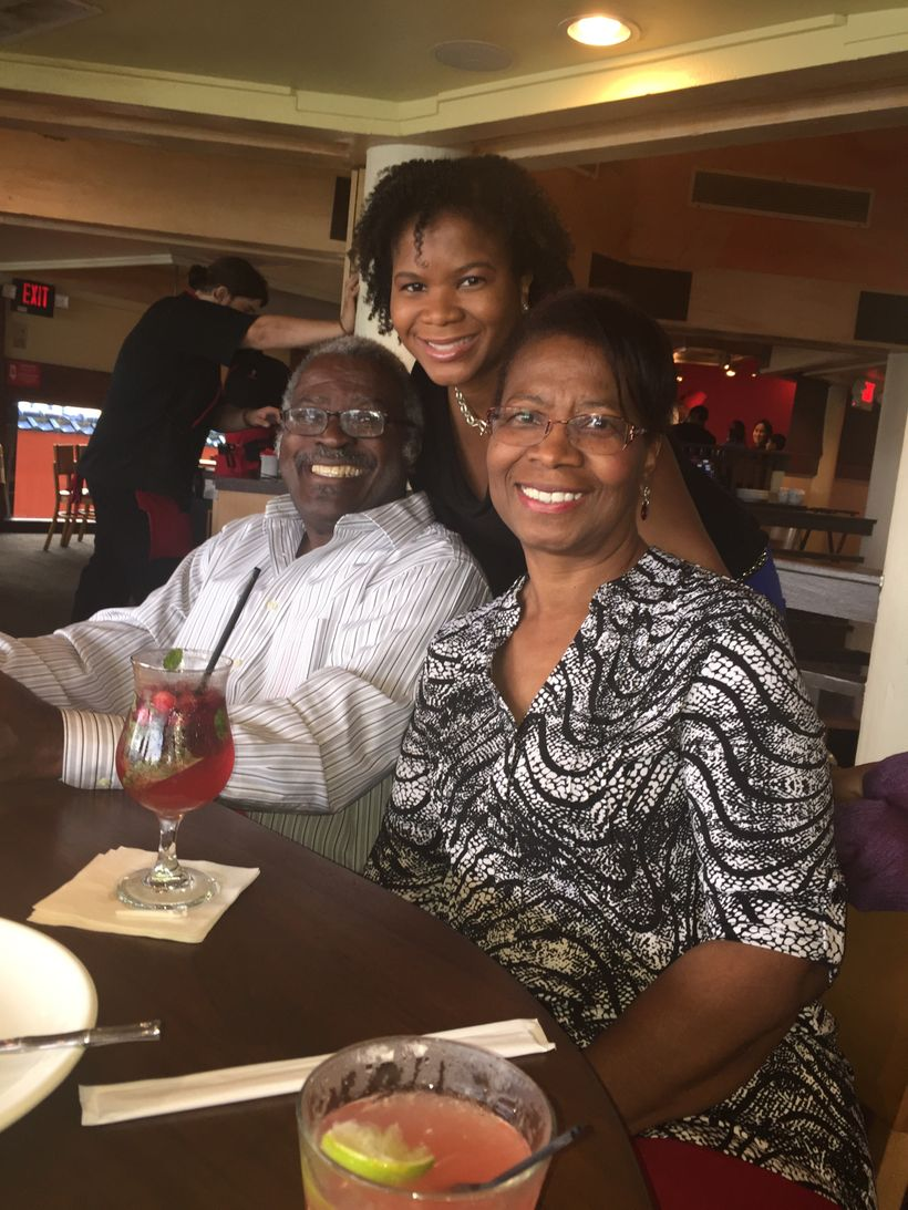 Alonda Thomas with her parents, Alfred and Selena Thomas