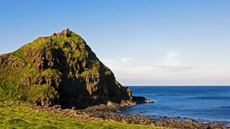 UNITED KINGDOM - MAY 05: The Giant's Causeway, outcrop of interlocking basalt columns (UNESCO World Heritage List, 1986) on the coast near Bushmills, Northern Ireland, United Kingdom. (Photo by DeAgostini/Getty Images)