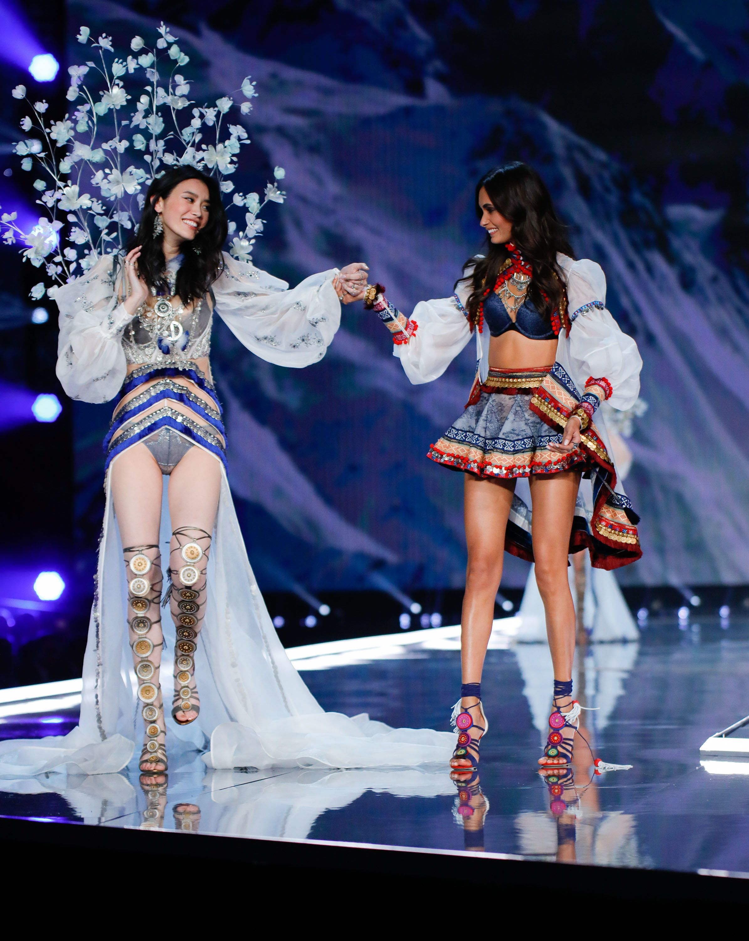 Victoria's Secret Models Prove The Power Of Female Support After Catwalk