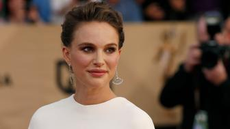 Actress Natalie Portman arrives at the 23rd Screen Actors Guild Awards in Los Angeles, California, U.S., January 29, 2017.  REUTERS/Mario Anzuoni