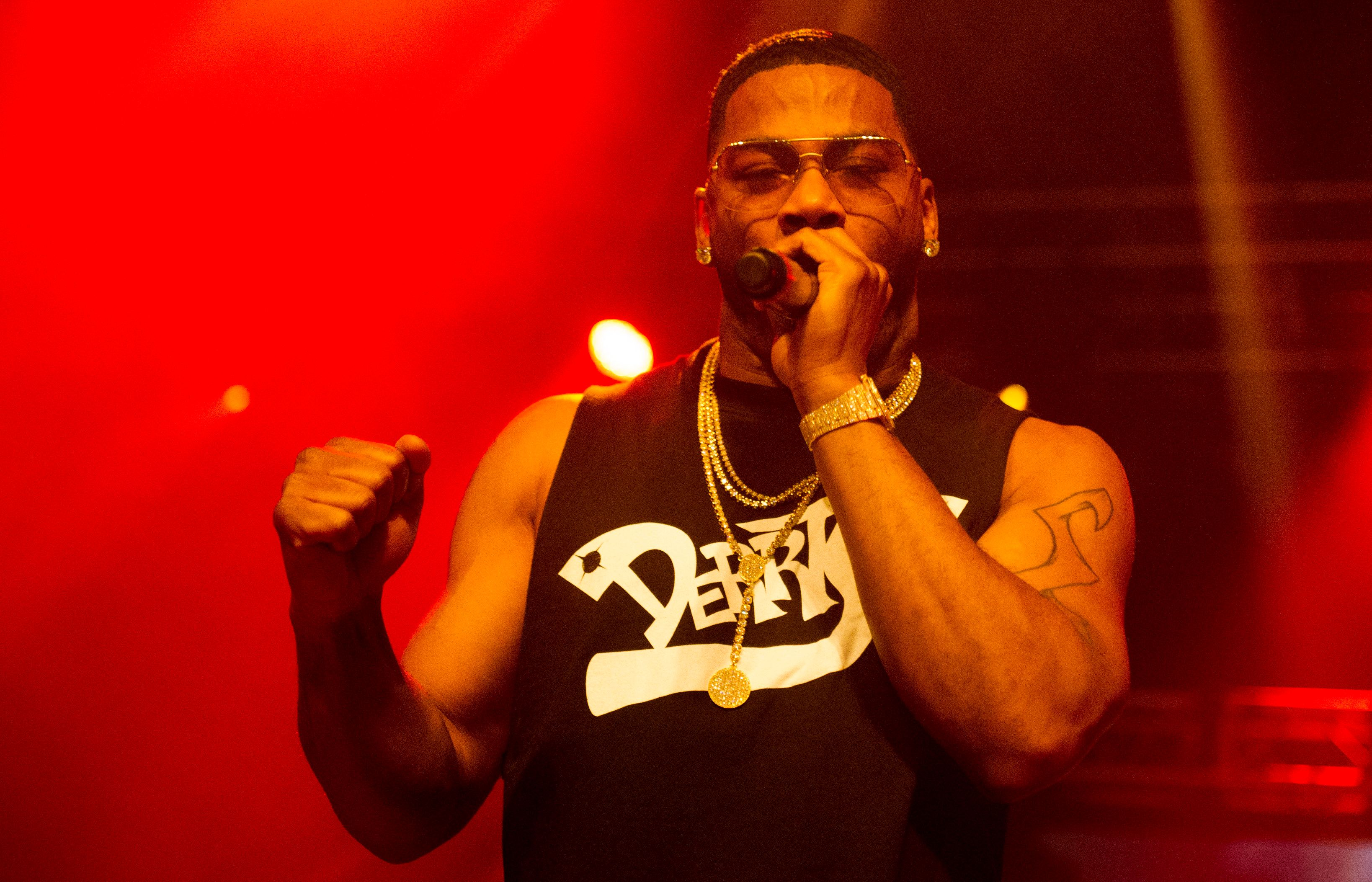 BIRMINGHAM, ENGLAND - NOVEMBER 15:  American rapper Nelly performs at O2 Academy Birmingham on November 15, 2017 in Birmingham, England.  (Photo by Katja Ogrin/Redferns)