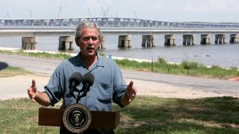 U.S. President George W. Bush makes a statement on the Hurricane Katrina rebuilding efforts at Our Lady of the Gulf Community Center in Bay St. Louis, Mississippi, August 29, 2007.  REUTERS/Jim Young (UNITED STATES)