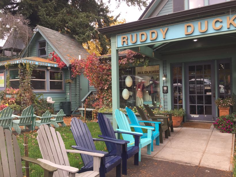 Hood River is a quirky and fun little town, with a famous brewery and lots of recreational activities.