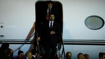 Saad al-Hariri, who announced his resignation as Lebanon's prime minister from Saudi Arabia, walks down the steps of an airplance at Beirut's international airport, in Beirut, Lebanon, November 21, 2017. REUTERS/Mohamed Azakir