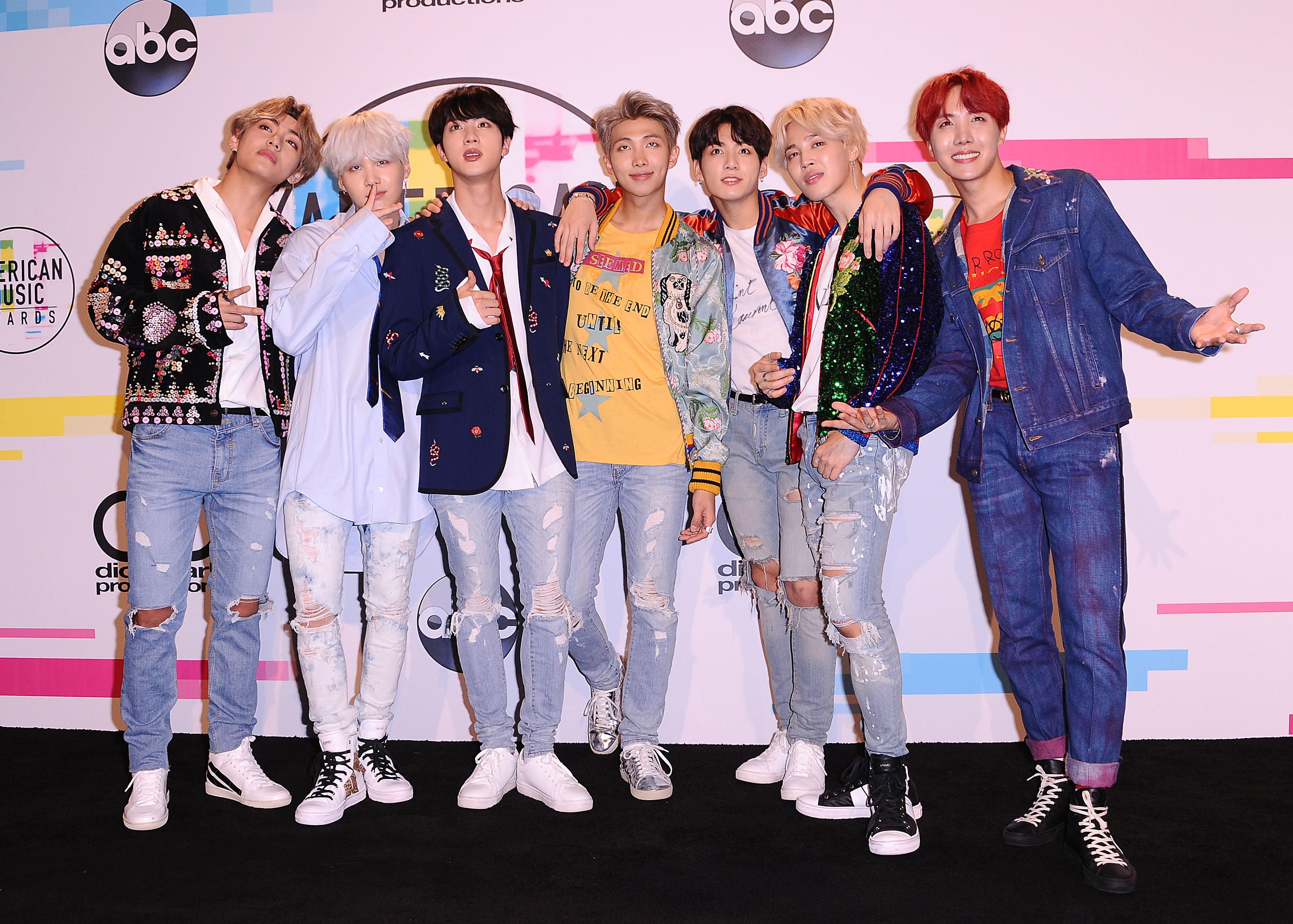 LOS ANGELES, CA - NOVEMBER 19:  BTS poses in the press room at the 2017 American Music Awards at Microsoft Theater on November 19, 2017 in Los Angeles, California.  (Photo by Jason LaVeris/FilmMagic)