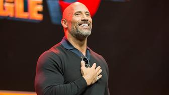 LOS ANGELES, CA - OCTOBER 28:  Actor Dwayne Johnson onstage at ENTERTAINMENT WEEKLY Presents Dwayne 'The Rock' Johnson at Stan Lee's Los Angeles Comic-Con at Los Angeles Convention Center on October 28, 2017 in Los Angeles, California.  (Photo by Rich Polk/Getty Images for Entertainment Weekly)