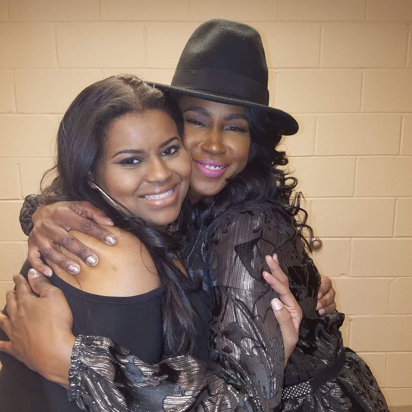 Syreta J. Oglesby shows love to recording artist Tweet, W&W Public Relations' client at The 2016 LoveLife DMV Foundation