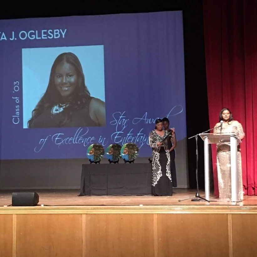 Syreta J. Oglesby receives the Rising Star In Entertainment Award from the New York Chapter of the National Alumnae Associati