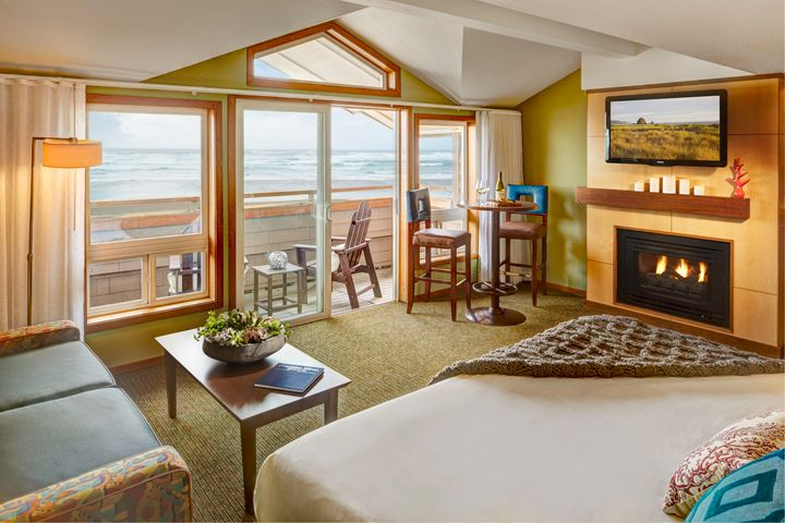 <p>Oceanfront king suite at Surfsand Resort</p>