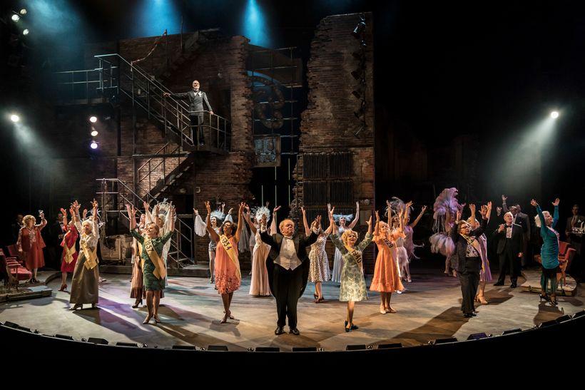 The cast of <em>Follies</em>
