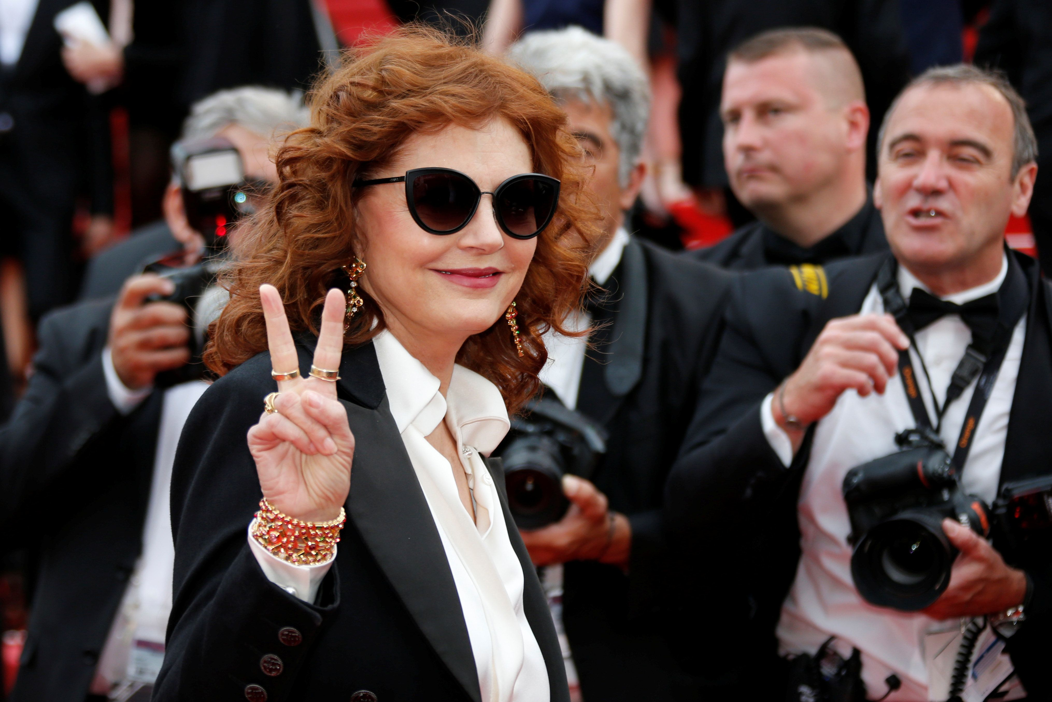 "70th Cannes Film Festival - Screening of the film ""Nelyubov"" (Loveless) in competition - Red Carpet Arrivals - Cannes, France. 18/05/2017.  Actress Susan Sarandon poses.        REUTERS/Jean-Paul Pelissier"