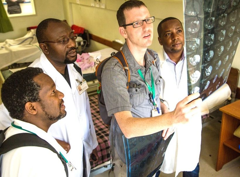 Dr. Eric Hansen teaching pediatric surgery at Kijabe Hospital in Kenya.