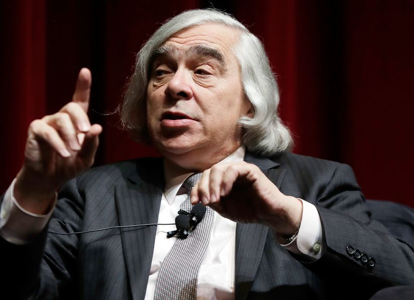 "<strong>Former U.S. Energy Secretary Ernest Moniz in a ""Fireside Chat"" at the October National Clean Energy Summit in Las Veg"