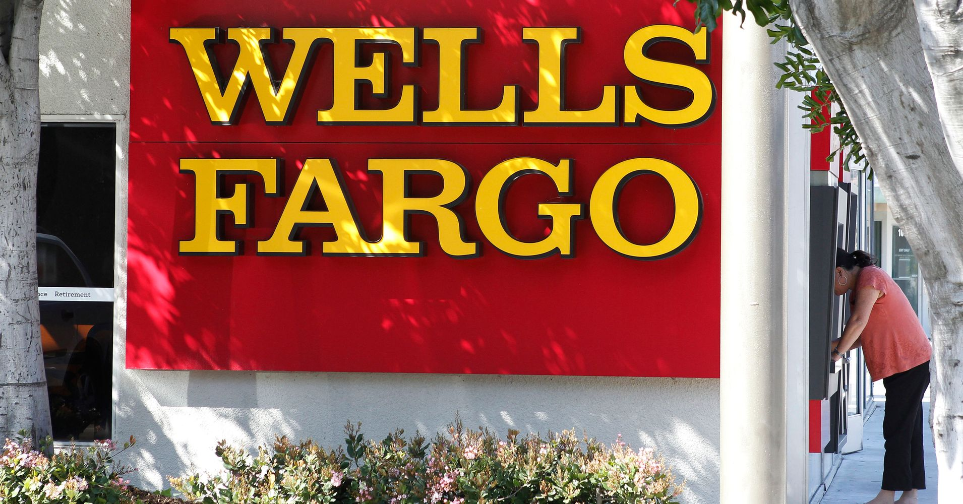 Report Wells Fargo Bankers Overcharged Hundreds In Latest Scandal