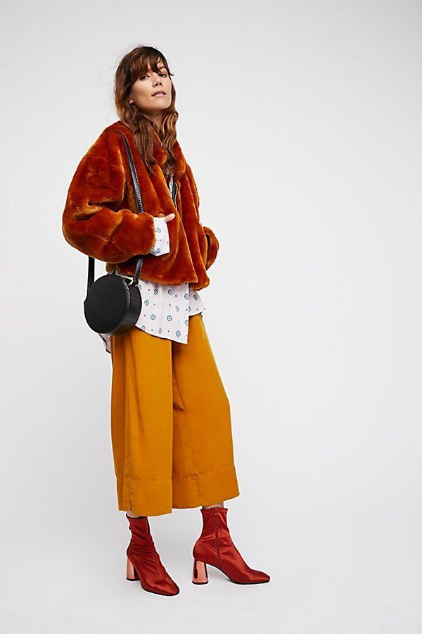 "Get it at <a href=""https://www.freepeople.com/shop/furry-bomber/?adpos=1o2&cm_mmc=RKG-GooglePLAsUS-_-GooglePLA-_-Non-Bran"