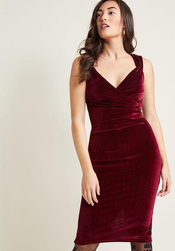 "<a href=""https://www.modcloth.com/shop/hidden/lady-love-song-velvet-dress/100000070608.html?kpid=117000-WINE-4X-PLUS&cvos"