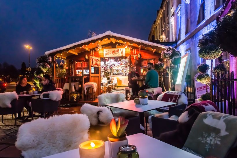 Winter pop-up Après-Ski Bar, in front of Bath's Abbey Hotel