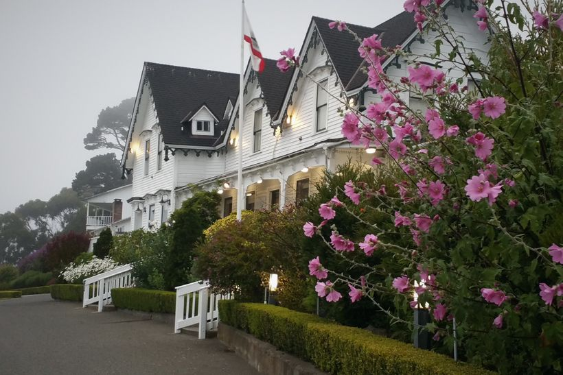 The Little River Inn in Mendocino offers special themed packages including a summer time family adventure