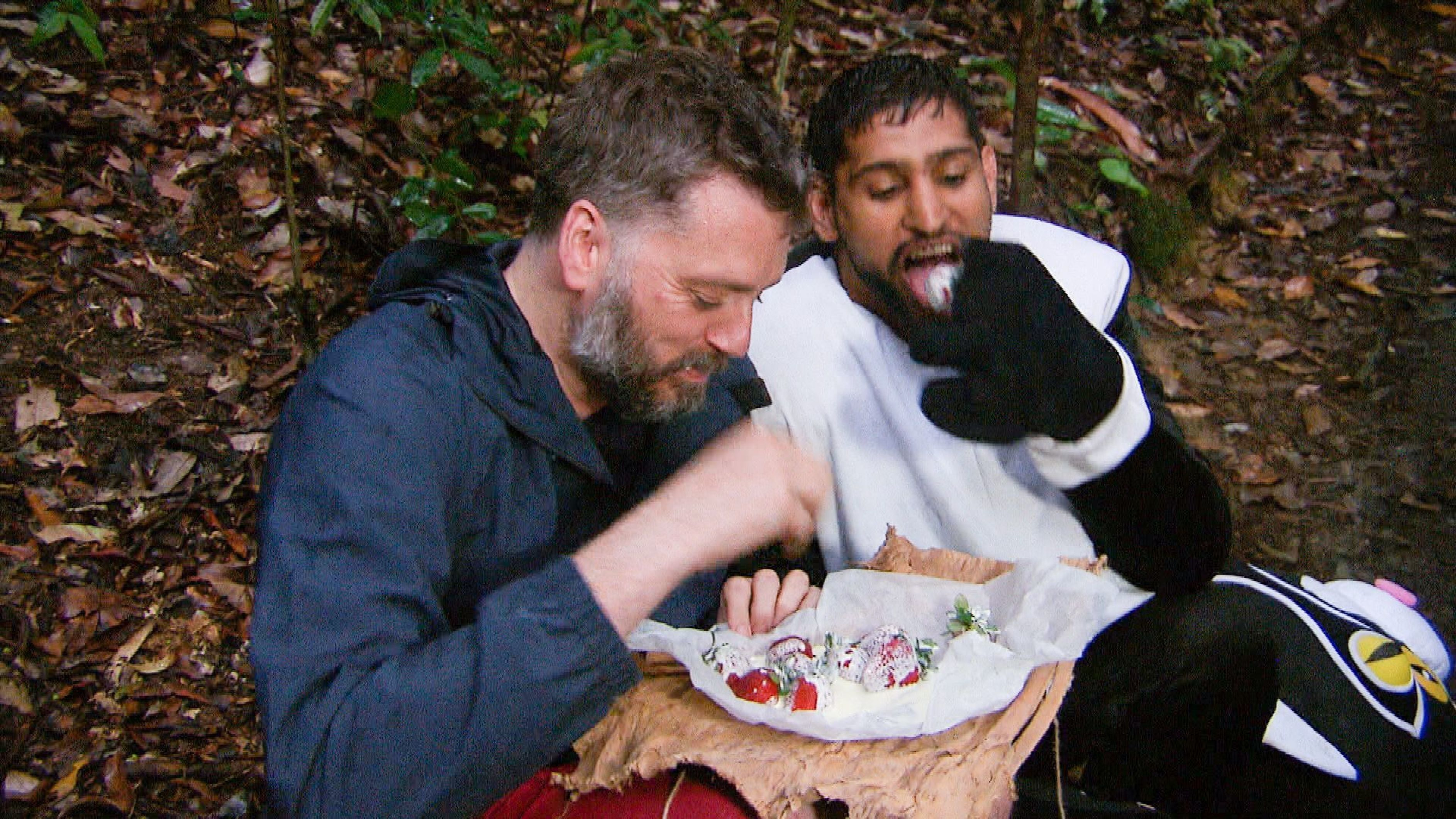 'I'm A Celebrity' Fans Are Not Happy With Amir Khan Throwing Iain Lee Under The