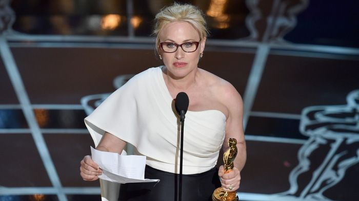 Actress Patricia Arquette collects the 2015 Best Supporting Actress Award.