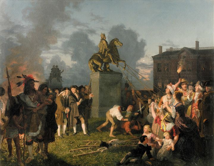 New Yorkers tearing down a lead statue of King George III on Bowling Green. It was  melted to make musket balls.