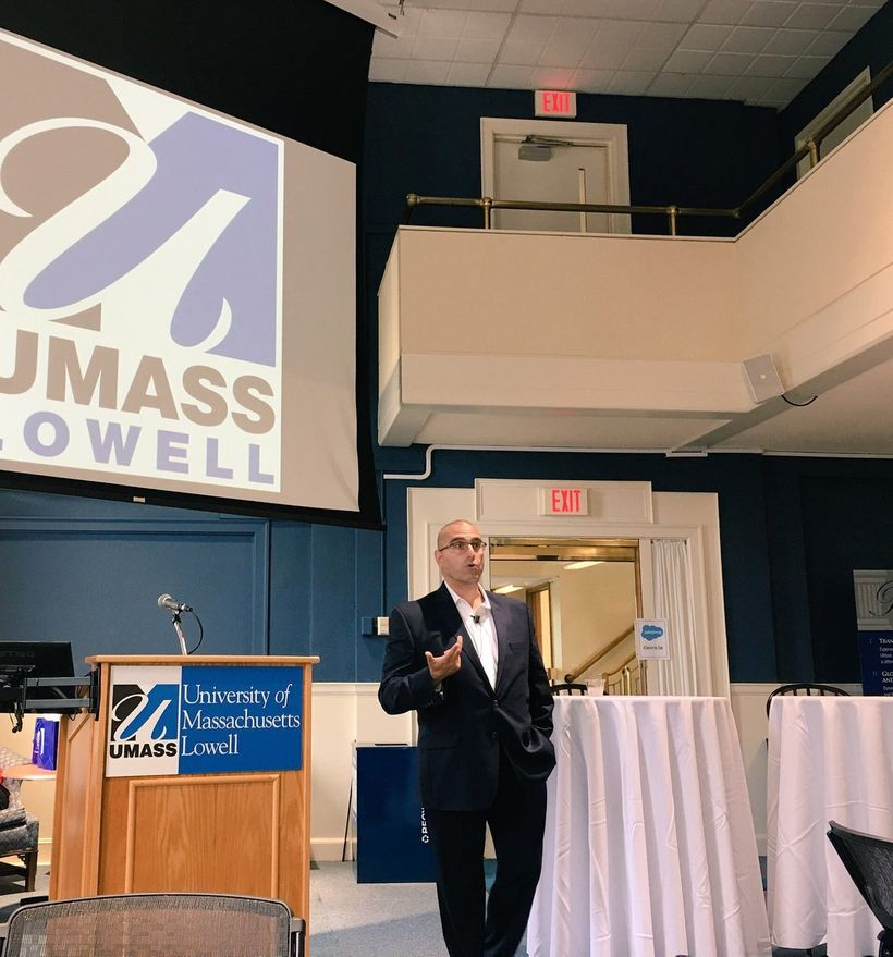 Vala Afshar speaking at UMASS Lowell about digital business transformation and the Fourth Industrial Revolution