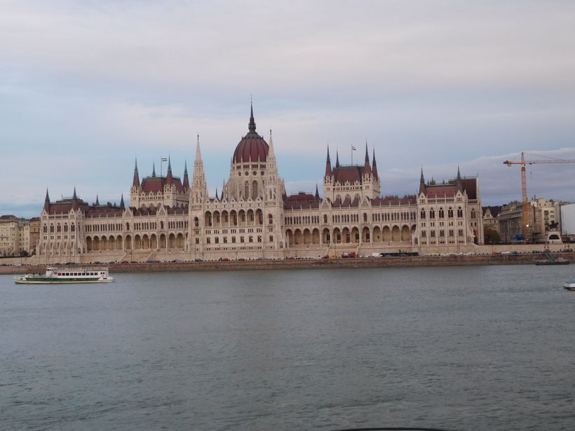 <strong>Closer view of parliament</strong>