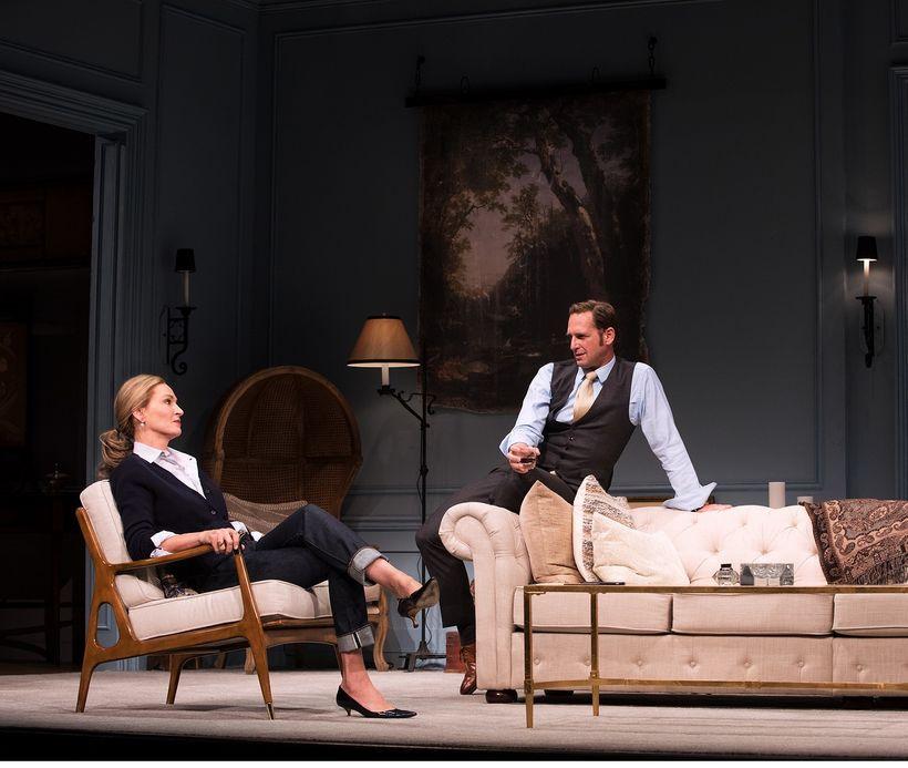 Uma Thurman and Josh Lucas in <em>The Parisian Woman</em>
