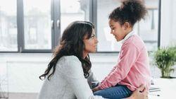 Cómo conseguir que tu hijo deje de interrumpirte en 5 sencillos