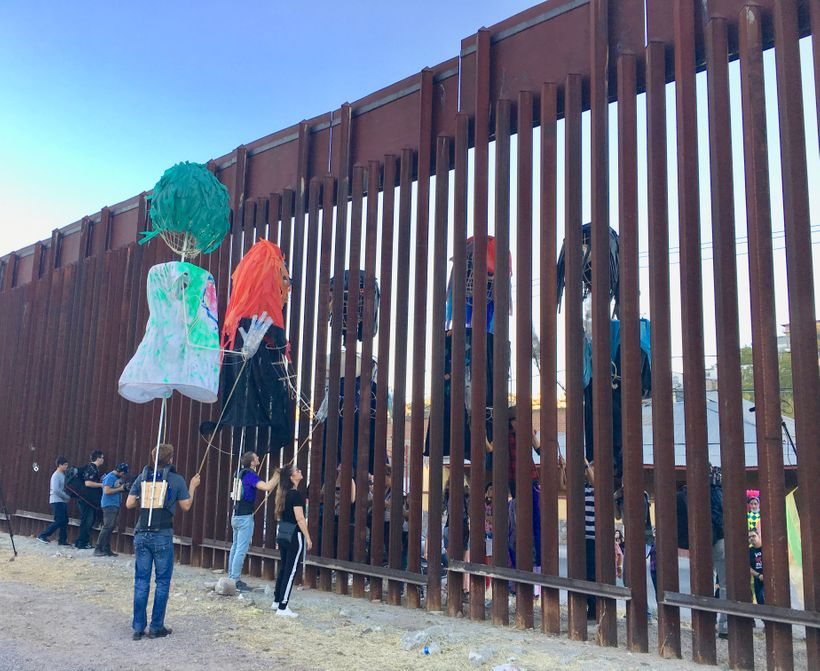 U.S. & Mexican Puppets challenge the wall