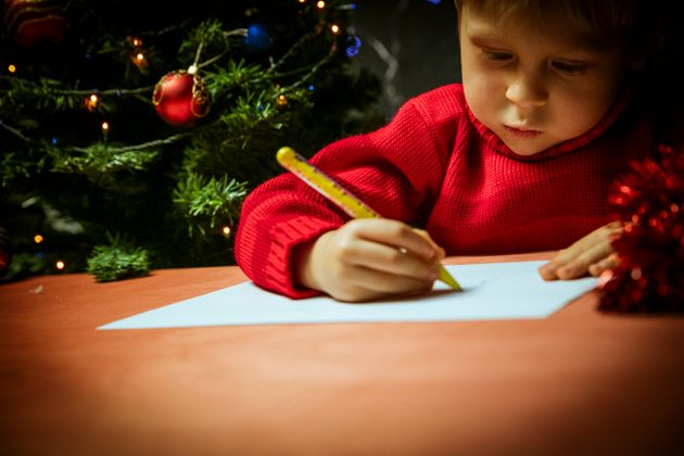 Royal mail letters to santa parents reminded of deadline for neoblues via getty images spiritdancerdesigns Images