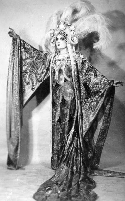Rosa Raisa sang the role of Princess Turandot at La Scala during the world premiere of Puccini's opera on April 25, 1926