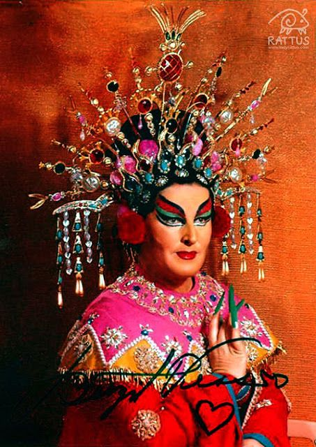 <p>Birgit Nilsson wearing a costume designed by Cecil Beaton for the Metropolitan Opera's 1961 production of <em><strong>Turandot</strong></em> </p>