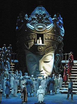 A scene from Jean-Pierre Ponnelle&#39;s production of <strong><em>Turandot</em></strong> staged at the Finnish Opera