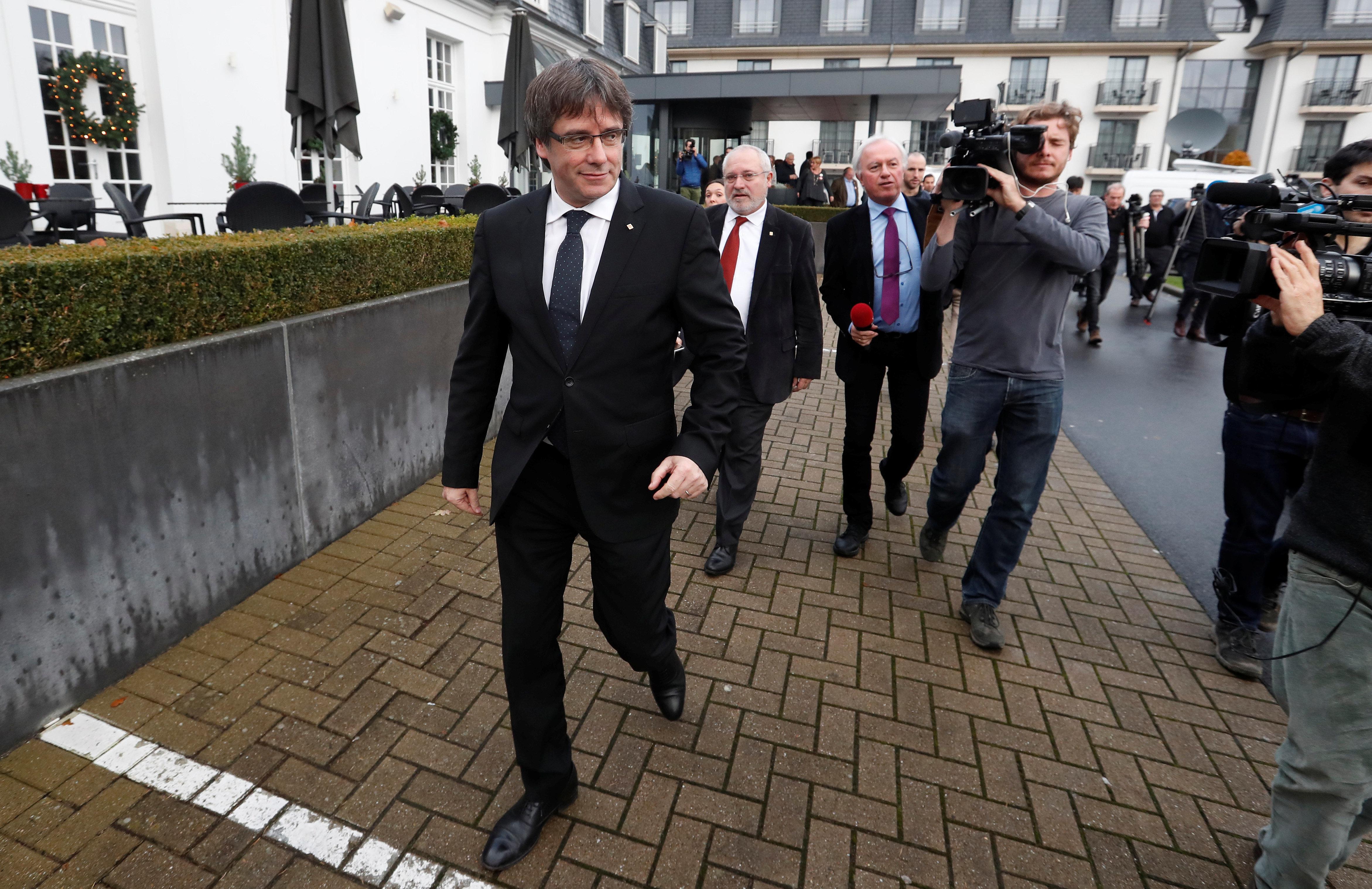 Ο Πουτζντεμόν σκοπεύει να παραμείνει στο Βέλγιο πιθανόν έως και τα μέσα Ιανουαρίου, δηλώνει ο δικηγόρος