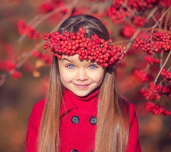 Αυτή η εξάχρονη από τη Ρωσία θεωρείται το πιο όμορφο κορίτσι στον