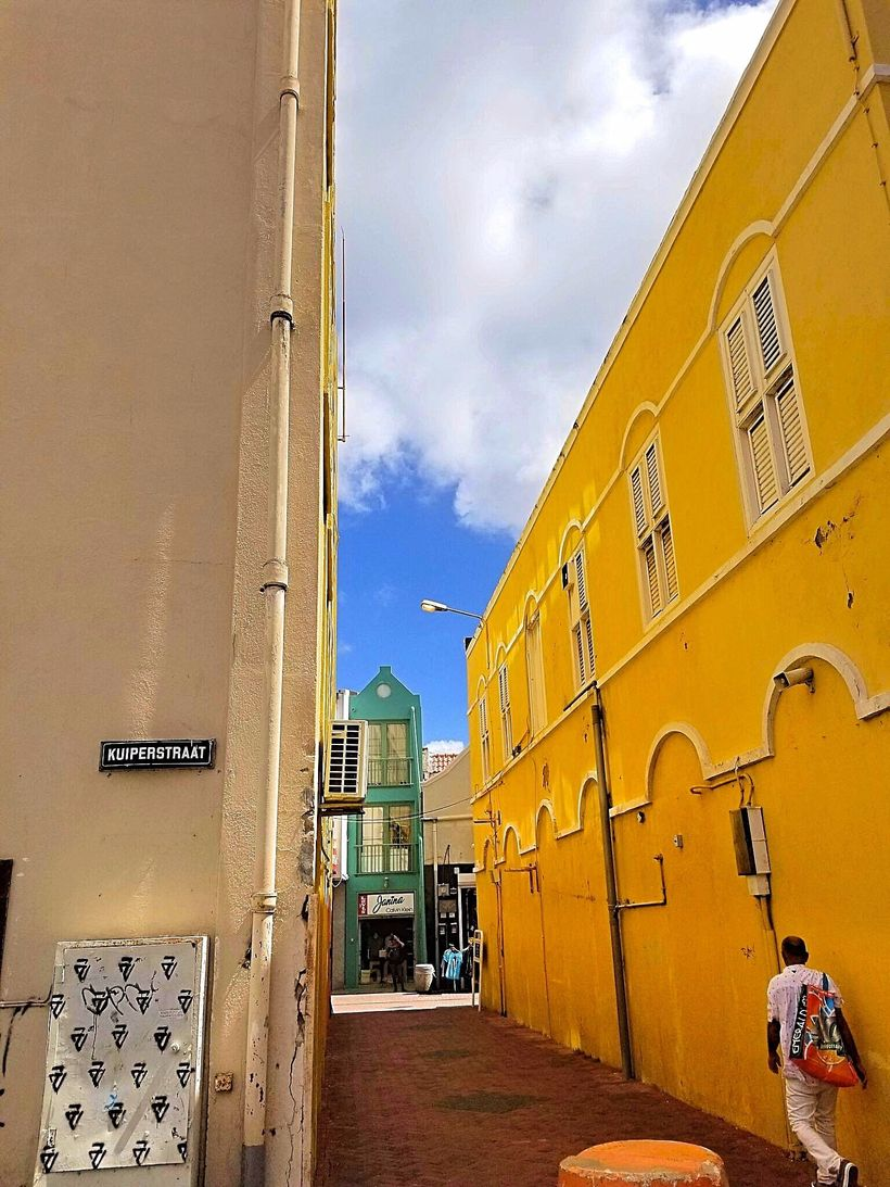 The streets of Curaçao.