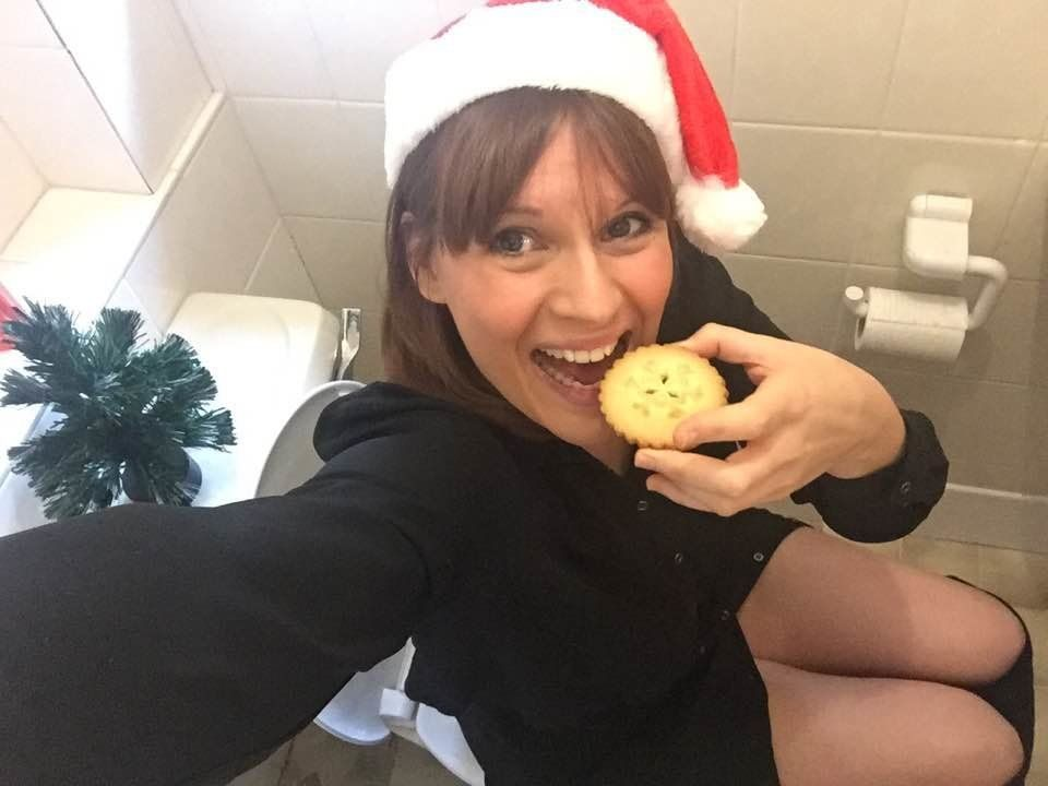 The Important Reason One Mum Is Taking A Toilet Selfie Every Day Until