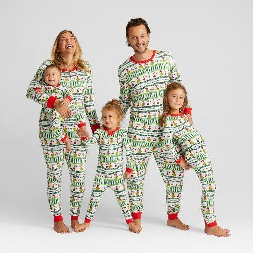 1734774d8e 15 Matching Family Christmas Pajamas That Are As Adorable As They ...