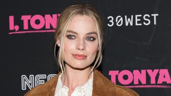 NEW YORK, NY - NOVEMBER 28:  Margot Robbie attends the 'I, Tonya' New York premiere at Village East Cinema on November 28, 2017 in New York City.  (Photo by Mike Pont/WireImage)